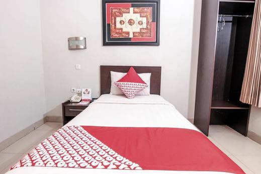 OYO 226 Lj Hotel Bandung Bandung - Bedroom