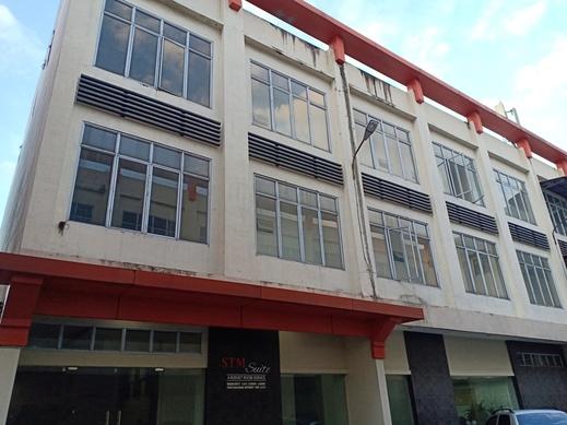 OYO 3051 Stm Suite Medan - Facade-4