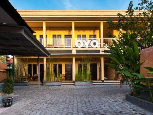 OYO 1492 Rupaqa Hotel Lombok - Facade