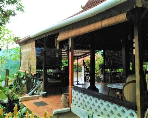 Villa Gubuk Saraswati Puncak - Entrance