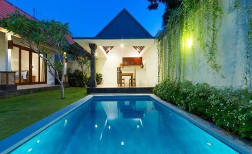 Paisa Villa Seminyak Bali - Kolam Renang