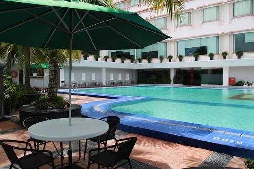Hotel Pangeran Pekanbaru - Outdoor Pool