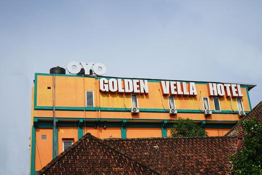 OYO 624 Hotel Golden Vella Pangkalpinang - Facade