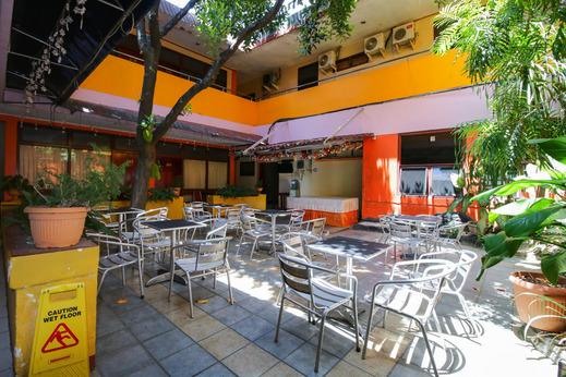 Airy Eco Wenang Sam Ratulangi 33 Manado Manado - Restaurant