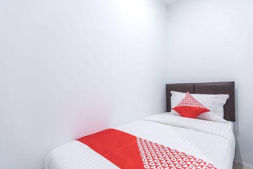 OYO 907 Wisma Cakung Jakarta - Bedroom