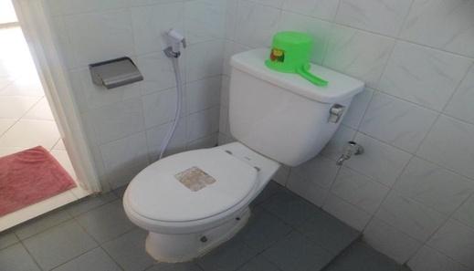 Santibi's Villa Puncak Resort Cianjur - Bathroom