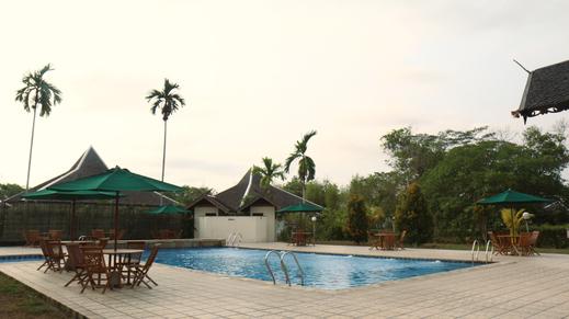 Rungan Sari Resort Palangka Raya - Kolam Renang