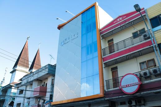 OYO 984 Maleo Guest House Ambon - Facade