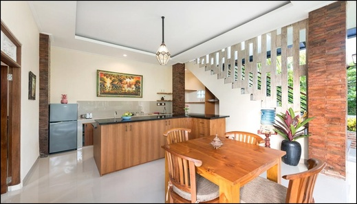 Liam Private Villa Bali - Kitchen & Dining Room