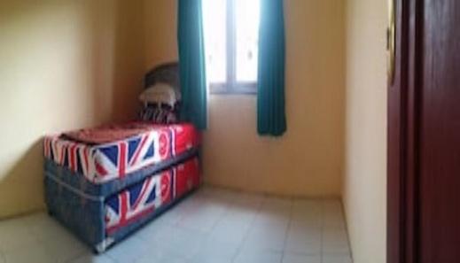Villa Anvil Cipanas 4 BR Kolam Renang Cianjur - Bedroom