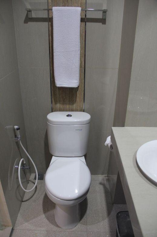 The Villa Solo Baru Solo - Bathroom