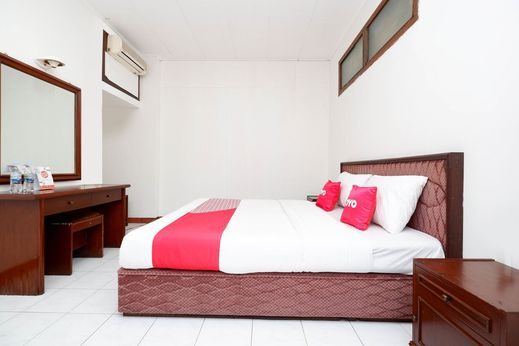OYO 1644 Hotel Griya Kencana Solo - Standard Double
