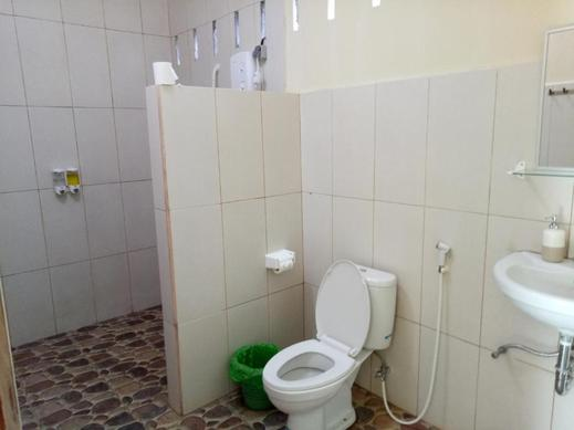 Villa Yukie Senggigi Lombok - Bathroom