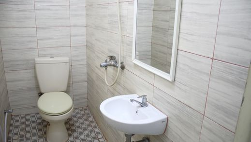 KJA Hotel Tegal Tegal - Bathroom