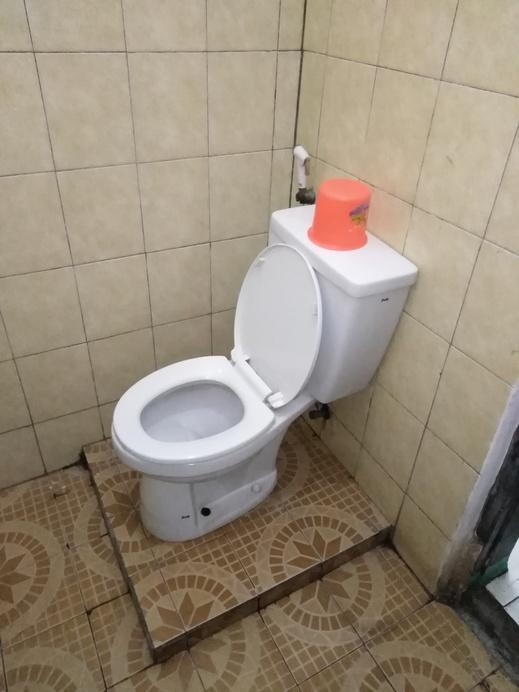 OYO 2395 Hotel Aden 2 Syariah Tasikmalaya - Bathroom