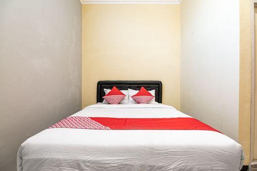 OYO 1560 Griya Amin Mojokerto - Bedroom