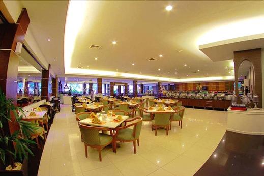 Hotel Pangeran Beach Padang - Restaurant