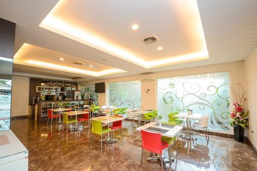 Airy Biringkanaya Bulurokeng Botolempangan Raya 53 Makassar - Restaurant
