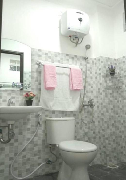Tu House Bali - Bathroom