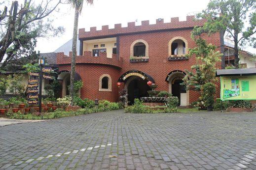 Taman Sari Hotel & Resort Sukabumi - Exterior
