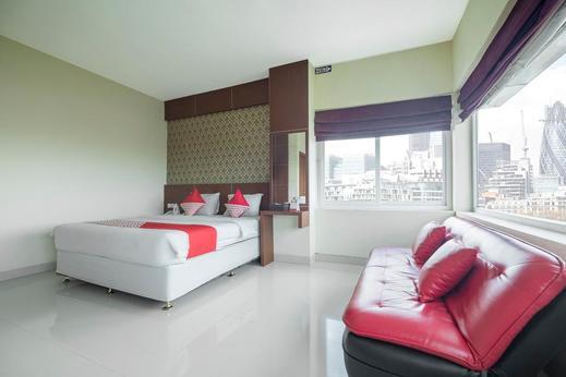 Capital O 454 Raising Hotel Makassar - Bedroom Su