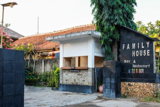 OYO 954 Family House Lombok Hotel Lombok - Facade