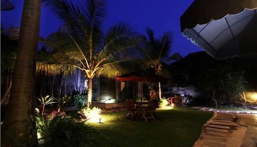 Omah Lawas Homestay Yogyakarta - Teras Belakang