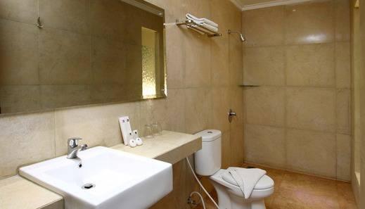 Laxston Hotel Jogja Jogja - Kamar mandi