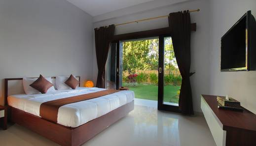 RedDoorz near Jimbaran Beach 2 Jimbaran - Bedroom