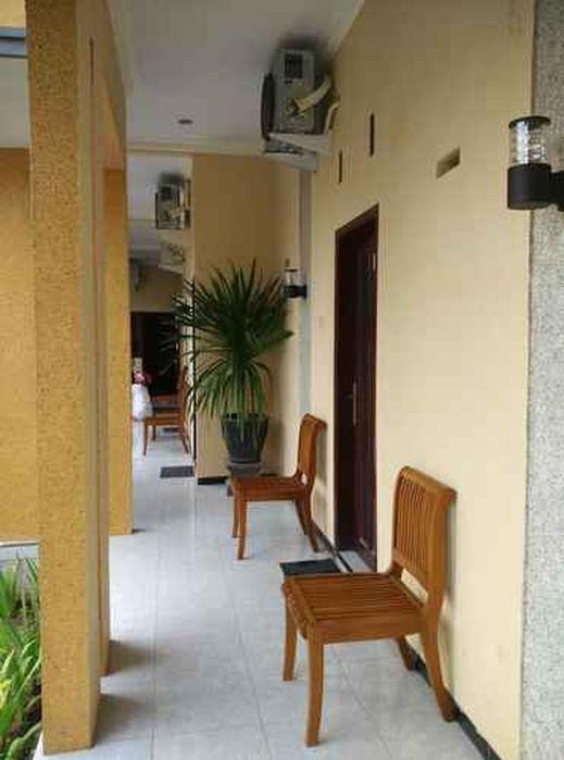 Surya Guest House Probolinggo - Terrace