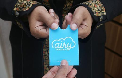 Airy Rungkut Madya M1 Surabaya - Receptionist