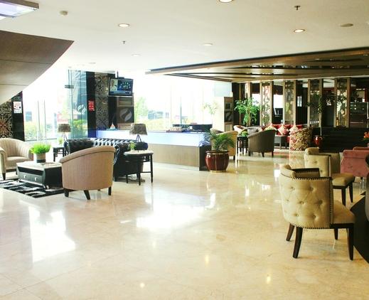 Hermes Palace Hotel Medan by BENCOOLEN Medan - New Lobby