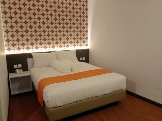 Front One Boutique Tugu Muda Semarang Semarang - DOUBLE BED