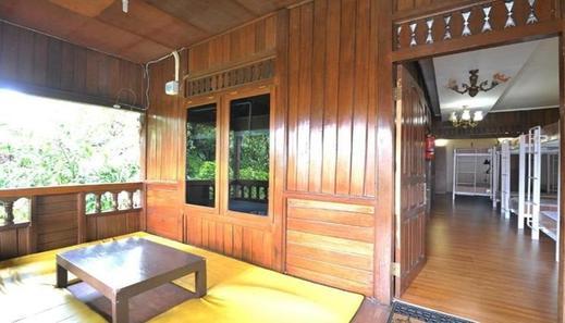 Garden Hostel Dago - Interior