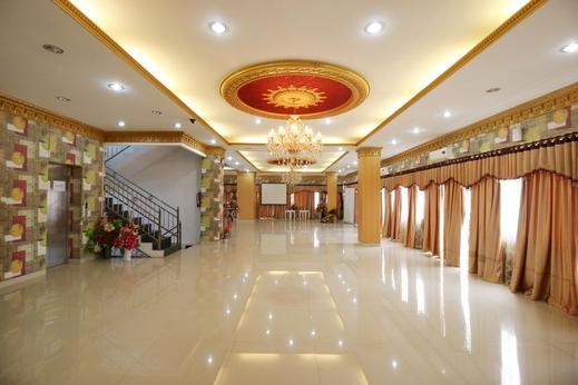 Airy Bahu Wolter Monginsidi 124 Manado Manado - Ballroom