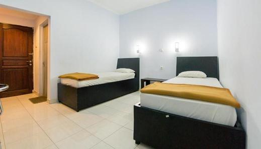 Hotel Ledetadu Kupang - Bedroom