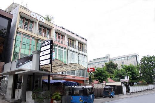 OYO 176 Virgo Residence Jakarta - Facade