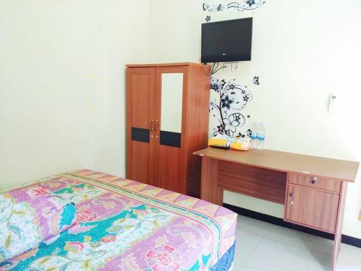 Colorbox House Probolinggo - Bedroom