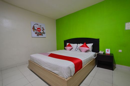 Capital O 988 Hotel Kapuas Dharma 2 Pontianak - Bedroom