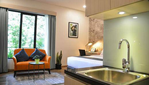 Treehouse Suites Jakarta - Guest room