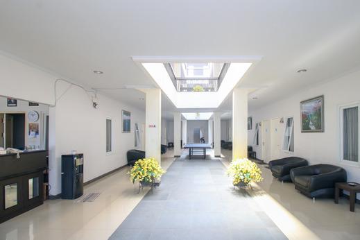 Si Jalak Guest House Bandung - Corridor