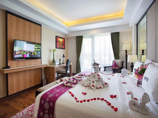 Grand Sunshine Resort & Convention Bandung - HONEYMOON SET UP