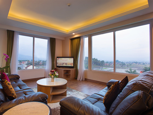 Grand Sunshine Resort & Convention Bandung - Suite