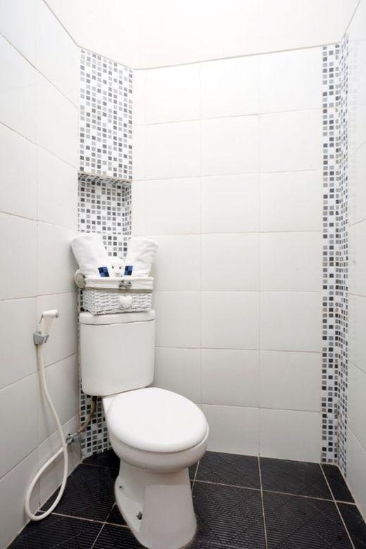 D'Paragon Dwikora Palembang - Bathroom