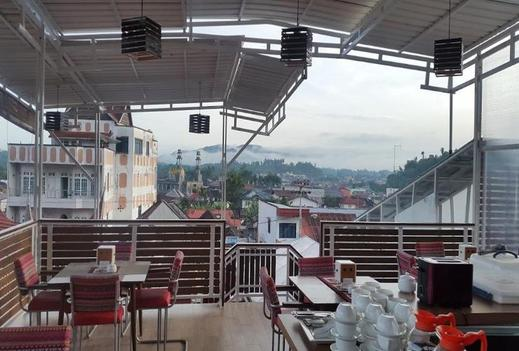 Treeli Boutique Hotel Bukittinggi - Restaurant