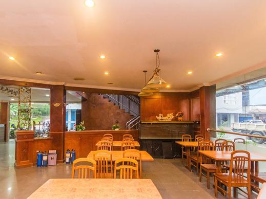 OYO 2065 Holly Sentosa Hotel Batam - Cafe