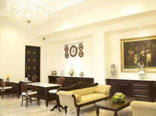 Colonial Hotel Makassar - Loby