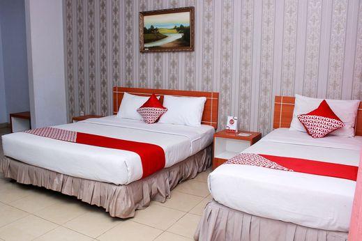 OYO 859 Raffles City Hotel Bengkulu - Bedroom