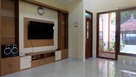 Simply Homy Guest House Pogung UGM Yogyakarta - Ruang tamu