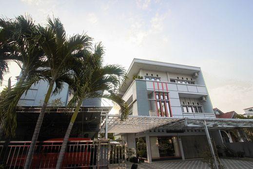 OYO 1227 Variz Homestay Pekanbaru - Facade